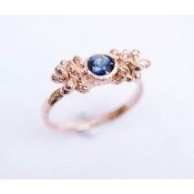 Shrub sapphire ring